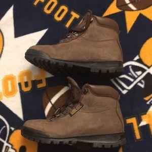fc33bc223eb Vasque Shoes   Wm 90s Leather Hiking Boots Skywalk Goretex   Poshmark
